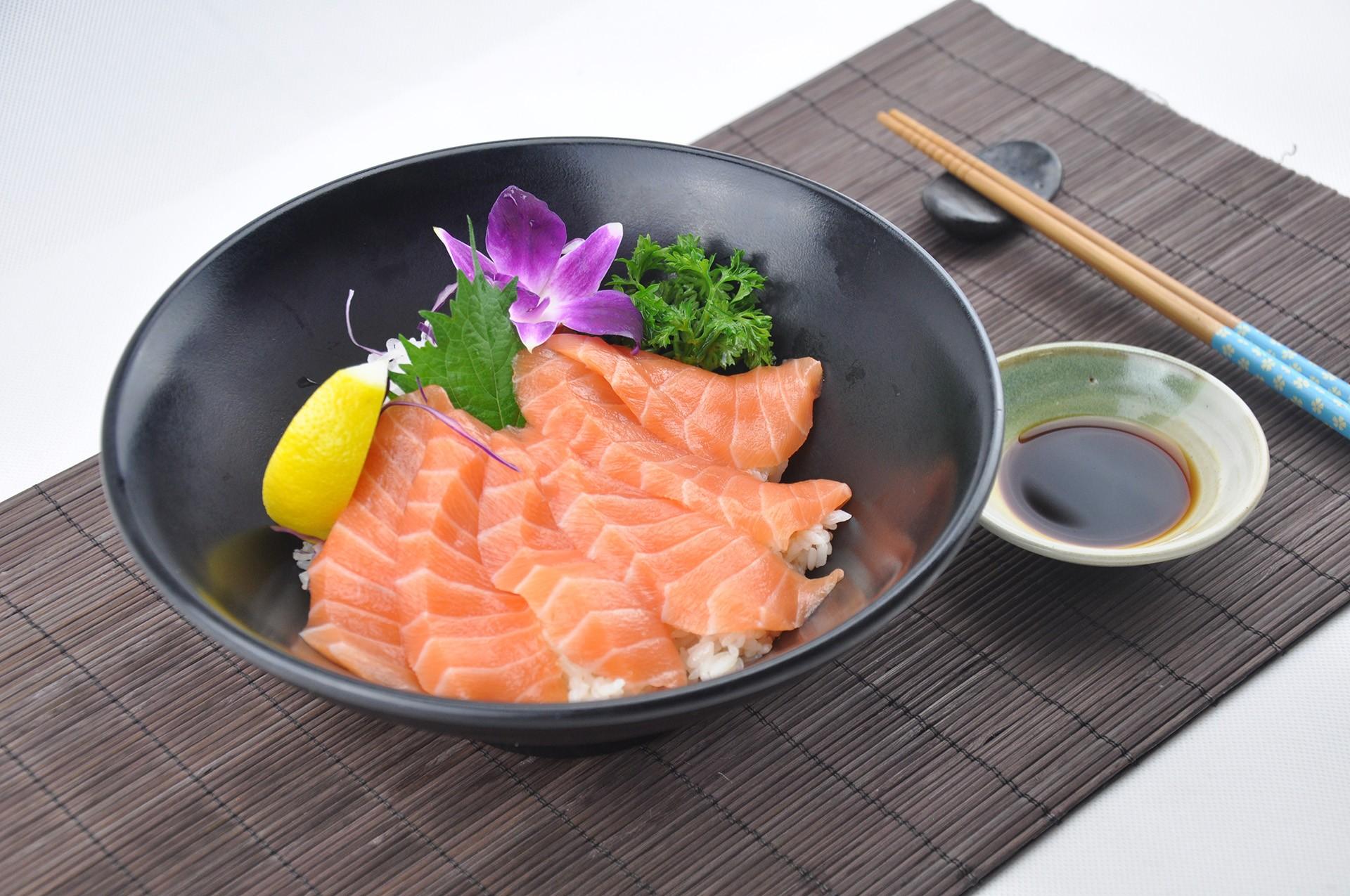 三文魚刺身蓋飯